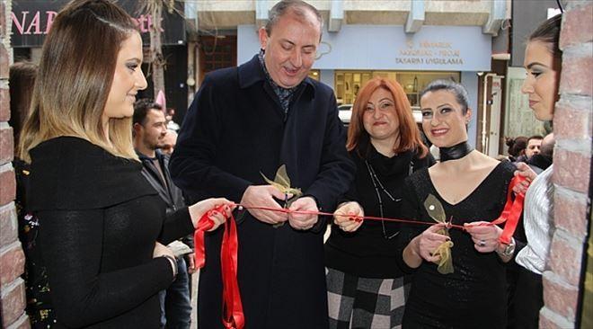 Sibella Hair Design Yeni Yerinde Hizmete Açıldı