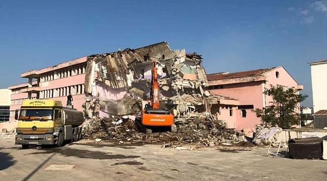 Biga Devlet Hastanesi Eski Binasının Yıkımına Başlandı