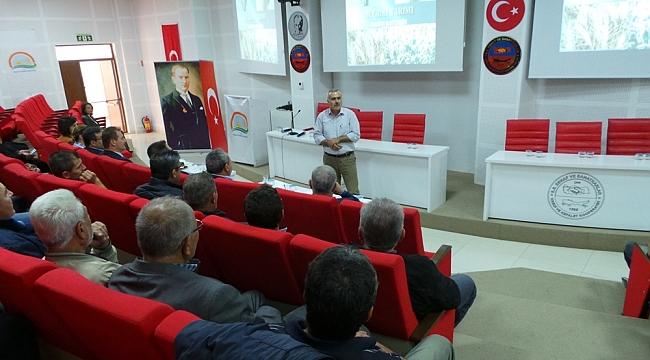 """Çan'lı Üreticilere """"Hububattaki Ekim Alanlarının ve Verimin Arttırılması"""" Konulu Konferans Verildi"""