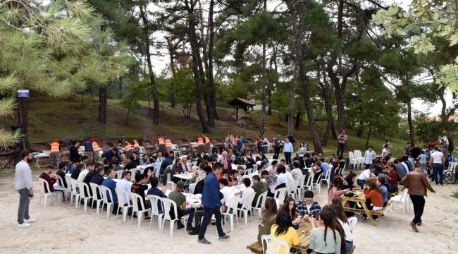 Yenilenen Mesire Alanının İlk Misafirleri Üniversite Öğrencileri