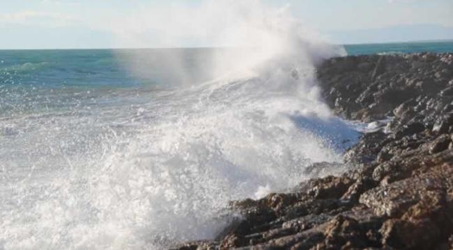 Çanakkale'de Adalara Ulaşıma Poyraz Engeli
