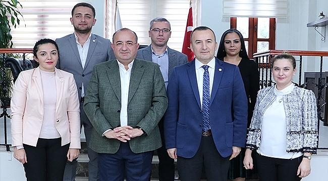 Çanakkale Belediye Başkan Adayı Ayhan Gider'den Çanakkale Barosu'na Ziyaret