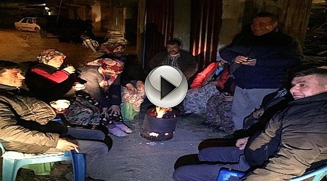 Depremden Korkan Vatandaşlar Geceyi Dışarıda Geçirdi