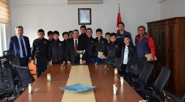 23 Eylül Ortaokulu Futsal Takımından Çan Kaymakamı Mustafa Gürdal'a Ziyaret