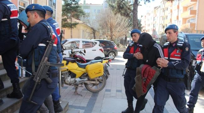 Çan'da Soygun Yapan 5 Şahıstan 4'ü Tutuklandı