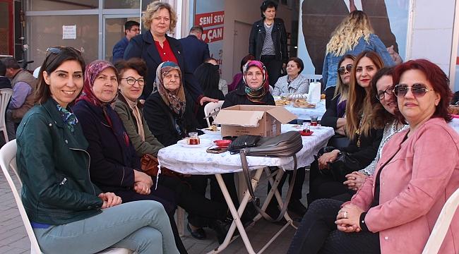 CHP Çan İlçe Kadın Kolları, 8 Mart Dünya Kadınlar Gününü Kermes Havasında Kutladı