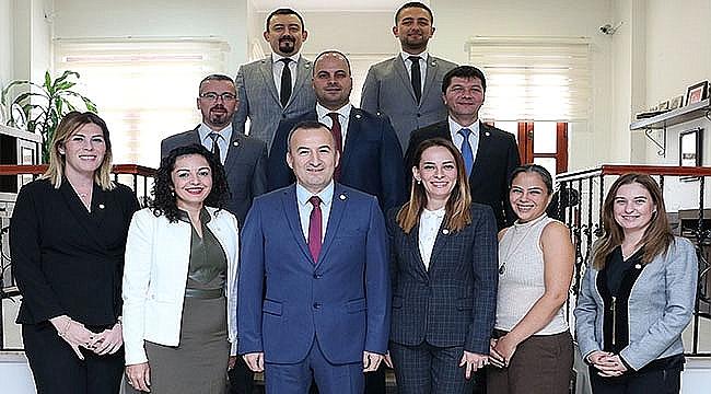 Türkiye'nin Örnek Meslek Kuruluşu Çanakkale Barosu