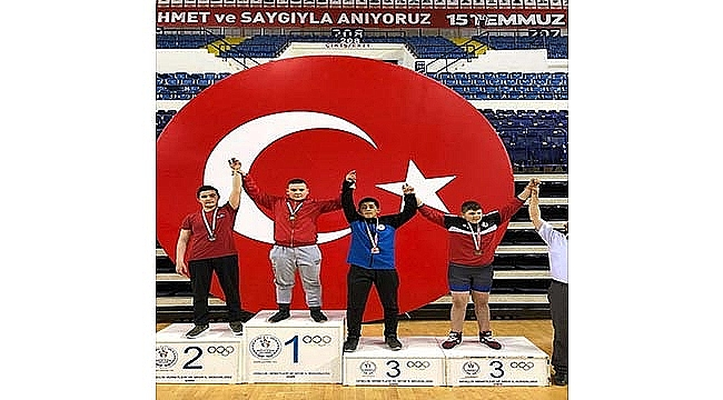 Çan Belediyesi Güreşçisi Berat Taşkın, İzmir'de Şampiyon Oldu