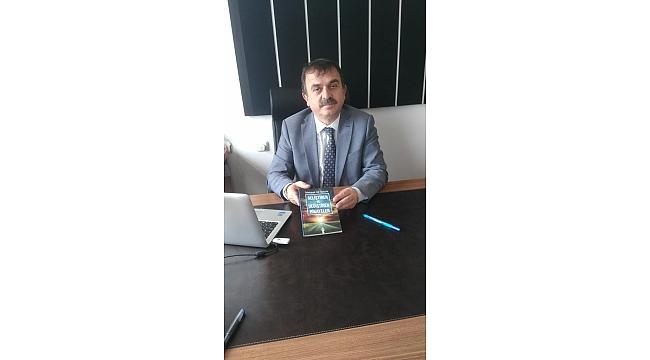 Yazar Mehmet Ali Öztürk, İlçe Milli Eğitim Müdürünü Ziyaret Etti