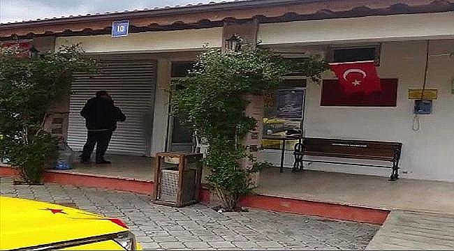 Türk Bayrağını Yakmaya Kalktı!