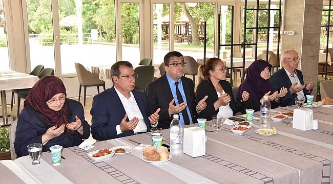 15 Temmuz Demokrasi ve Milli Birlik Gününde Şehit ve Gazi Aileleriyle Yemekte Buluştular