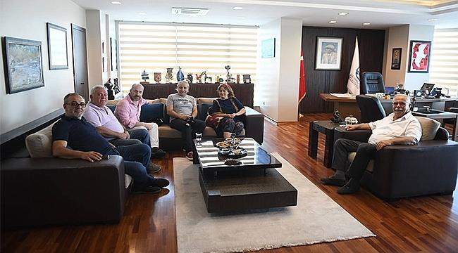Başkan Gökhan, Çanakkale Gazeteciler Ve Yayıncılar Derneği Yönetimini Ağırladı