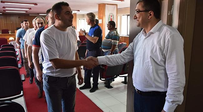 Çan Belediye Başkanı Bülent Öz, Belediye Personeliyle Bayramlaştı