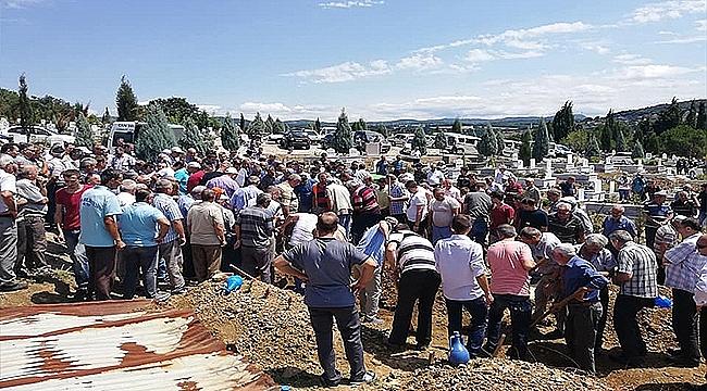 Kazada Ölenler Toprağa Verildi