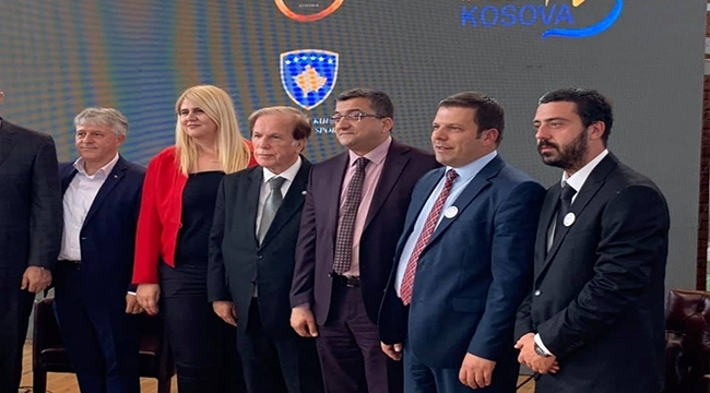 Başkan Öz, Kosova'da Business Forum Prizren'e Katıldı