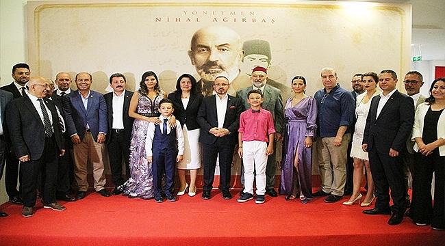 Mehmet Akif'in Galası Hayran Bıraktırdı