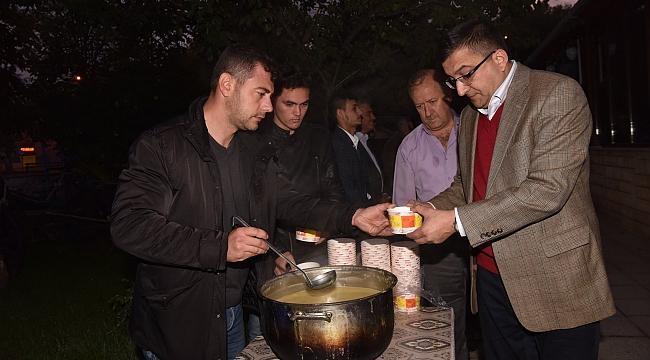 Başkan Bülent Öz, Ülkü Ocaklarının Barış Pınarı Harekâtı İçin Okuttuğu Mevlitte Hemşerileriyle Birlikte Dua Etti