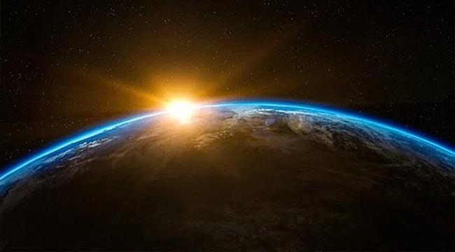 KIYAMET ALAMETİ GERÇEKLEŞİYOR MU? BİLİM ADAMLARI TEDİRGİN: GÜNEŞ BATI'DAN DOĞACAK!