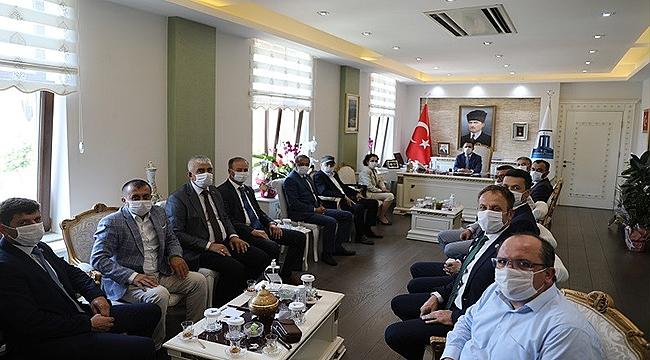 İL GENEL MECLİSİ AK PARTİ VE MHP GRUBUNDAN VALİ AKTAŞ'A HAYIRLI OLSUN ZİYARETİ