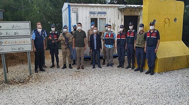 VALİ'DEN KİRAZLI JANDARMA YOL KONTROL NOKTASINA ZİYARET